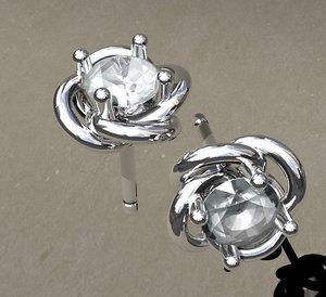 solitaire earrings nest model