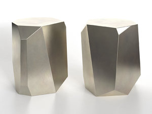 3D hedge stone table