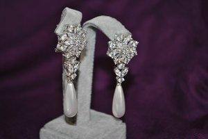 gems earrings 3D model