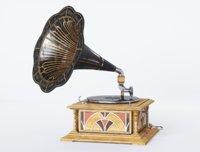 Gramophone Art Deco