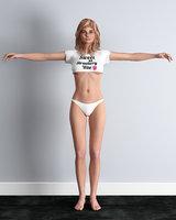 crop-top bikini rigged girl 3D