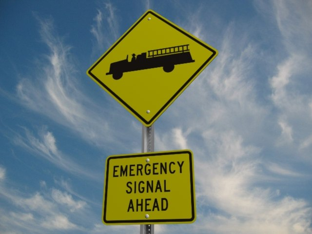 3d model emergency vehicle crossing street sign