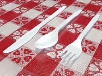realistic plastic utensils 3d max