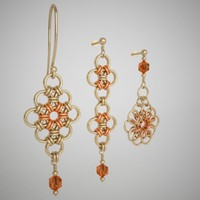 Flower pattern golden earrings