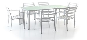 max outdoor table