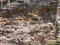 Cliffside sedimentary rock 919.JPG