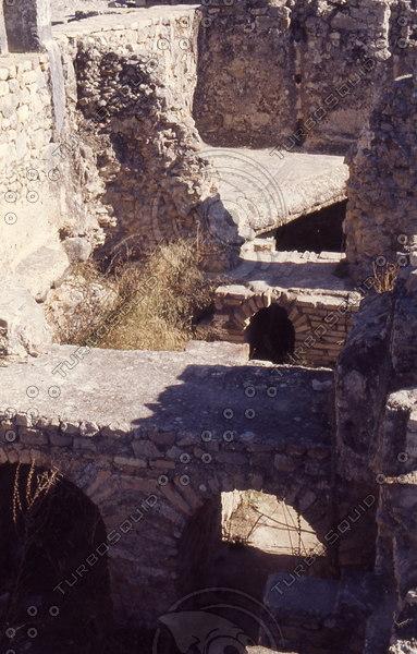 Morocco 240 Volubilis, heating caverns.jpg