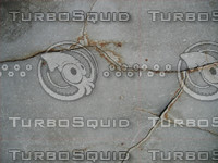 4 Cracked concrete walls