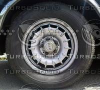 MB 230E tyre