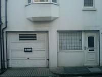 garage doors no parking