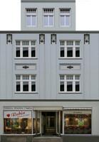 facade 12