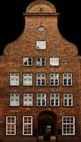 h_res_facade16