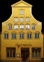 h_res_facade17