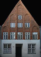 h_res_facade19