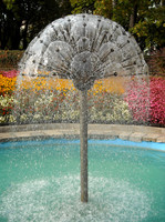 detail photography of water fountain