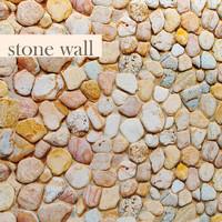 Wall of pebbles