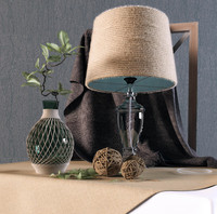 Decorative set with lamp