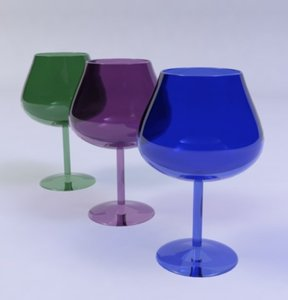 max coloured wine glass