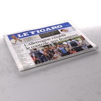 Le Figaro1 folded newspaper