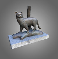 3d low-poly cat statue
