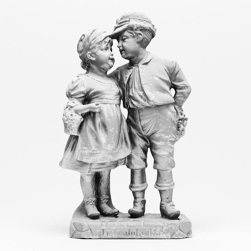 realistic vintage couple statuette 3d model