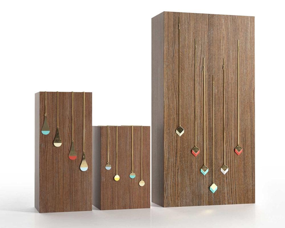 wooden block jewelry display 3d model