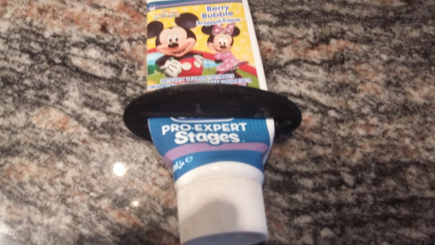 3d 3ds squeezing toothpaste creams tubes