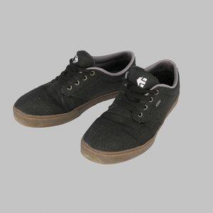 shoes etnies 3d model