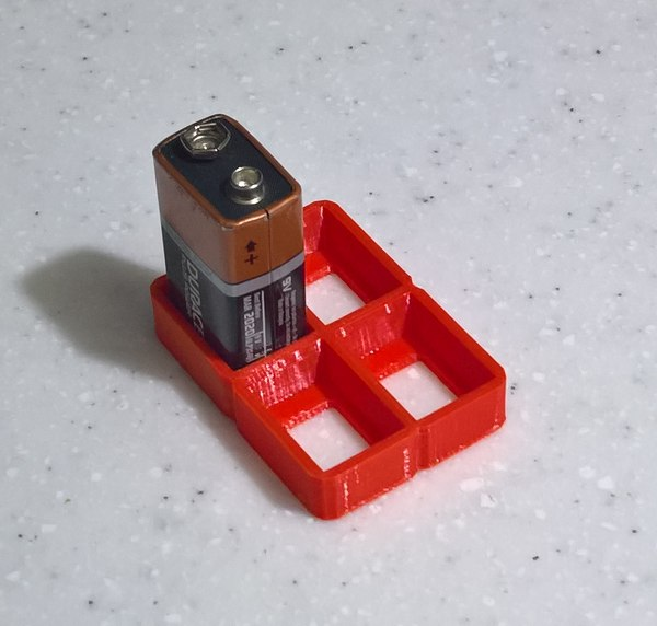 organizes 9v batteries model