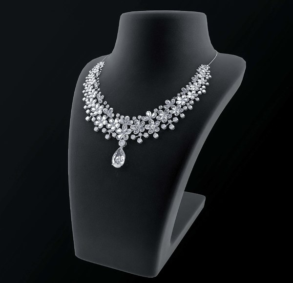 3D diamond necklace neck