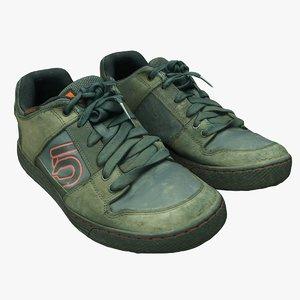 3D old shoes model