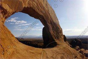 roadside arch, Utah 01 tm.jpg