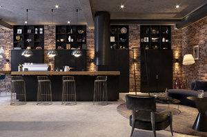 scene - bar cafe model