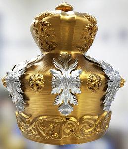 crown model