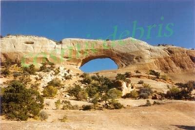 roadside arch, Utah 02 tm.jpg